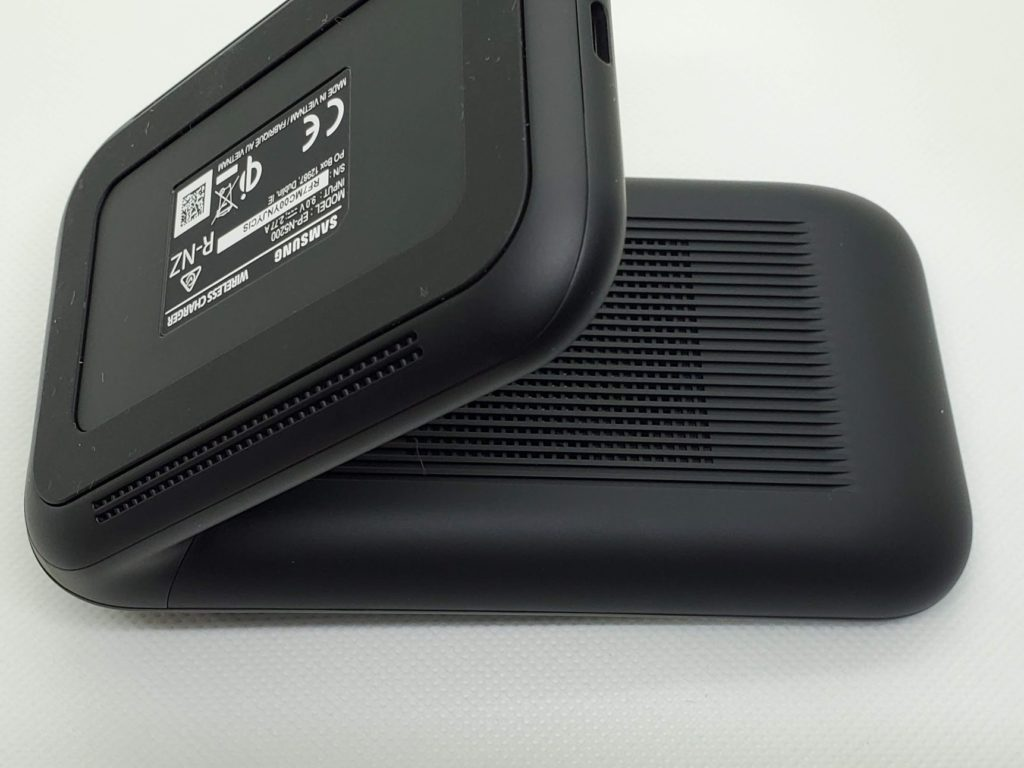 Wireless Charger Stand 裏面
