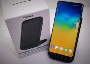 【レビュー】実はかなりの良コスパ!Galaxy Wireless Charger Standを試す!【純正】