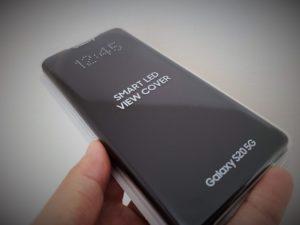 【Galaxy S20 純正ケース】Smart LED View Coverのレビュー|LEDギミックが面白い!